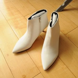 Sam Edelman Shoes - Sam Edelman - White Kirby Booties